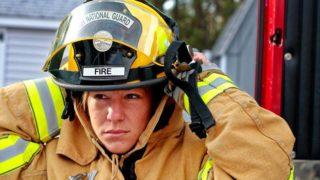 女性消防士